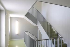 Treppen für die Erschließung im Verwaltungstrakt