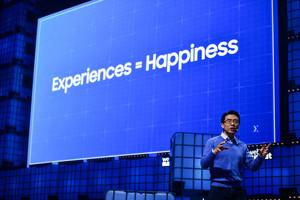 Es ist eine einfache Formel, die David Eun, CIO Samsung, auf dem Web Summit präsentiert: Erfahrungen = Glück