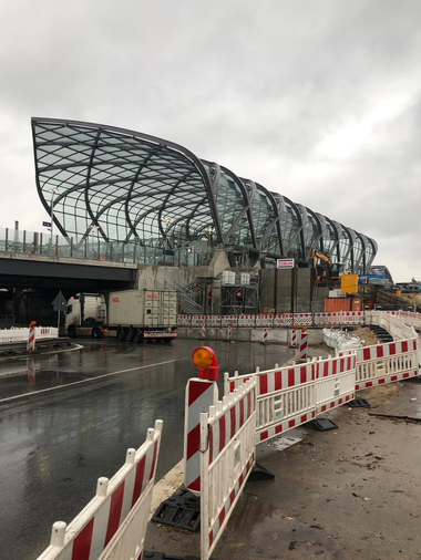 S-Bahnhof Elbbrücken, Hamburg, ein paar Tage vor seiner Übergabe und Inbetriebnahme