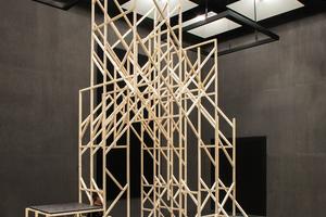 Mit der Joyn Machine können einfache Stabwerkkonstruktionen wie der Pavillon im Futurium, Berlin, umgesetzt werden. Auch alles von kleinen Alltagsprodukten bis zu gewerblichen Nutzbauten und sogar Brücken können errichtet werden. Die Software berechnet alle Steckpunkte so, dass Nägel und Leim weitestgehend überflüssig sind