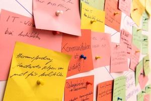Meinungsbildung als öffentlicher Prozess: Brainstorming oder die Suche nach den noch übersehenen, aber wesentlichen Dingen