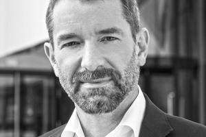 Dr. Alexander Rieck - forscht seit 1997 am Fraunhofer IAO unter anderem über die Stadt der Zukunft und das <br />Bauen der Zukunft. Gemeinsam mit Tobias Wallisser und Chris Bosse gründete er 2007 LAVA – Laboratory for Visionary Architecture.