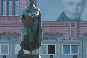 Schinkel(statue) vor Bauakademietapete 2019