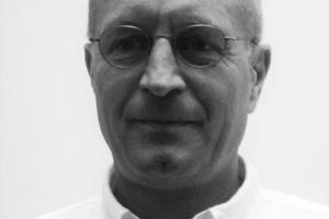 Autor: Reiner Grebe studierte an der TU Darmstadt Bauingenieurwesen, Fachrichtung Konstruktiver Ingenieurbau. Seit 1997 ist er bei der Hering Bau GmbH & Co. KG in Burbach als Leiter des Konstruktionsbüros und Statiker beschäftigt. Reiner Grebe ist regelmäßiger Gastdozent an der Universität Wuppertal und der TH Mittelhessen.