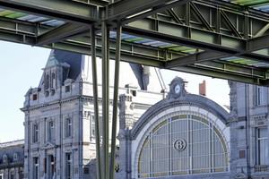 Dietmar Feichtinger Architectes schufen ein Bahnhofsvordach für das belgische Seebad Ostende