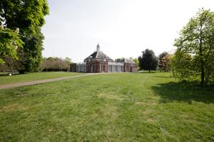 Serpentine Pavilion Kensington Gardens, London