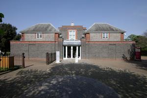 Serpentine Pavilion, Eingang