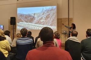 Die indische Architektin Anupama Kundoo bei ihrem Vortrag am 24.02. im DAZ