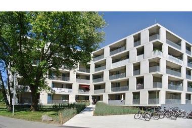 Wie 'Modernisierung und Umbau' preiswürdig realisiert werden kann, hat die Spitalstiftung Konstanz in Zusammenarbeit mit Braun+Müller Architekten BDA mit dem Umbau und der Sanierung eines Personalwohnhauses eindrucksvoll gezeigt