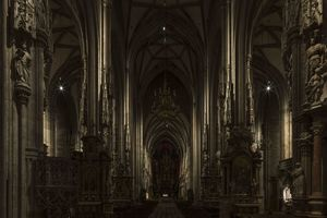 Die Beleuchtung des Stephansdoms wurde komplett neu geplant und erneuert. 1111 Lichtpunkte stehen jetzt zur Verfügung um jedem Anlass angemessen und stimmungsvoll zu begleiten