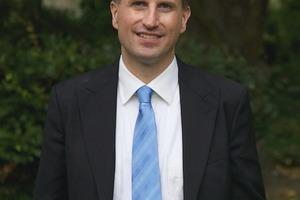 Der Wirtschaftsinformatiker Prof. Oliver Hinz forscht an der Goethe-Universität zum Themenbereich Smart Living
