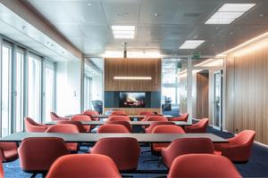 01 Für das Open Office von Oldendorff Carrier kombiniert das Lichtplanungsbüro Peter Andres Tageslicht und Kunstlicht zu einem modernen Lichtkonzept