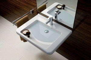 Für das Generationenbad sind unterfahrbare Waschtische in komfortabler Breite gut geeignet – wie hier von der Badserie Geberit Renova Comfort.<br /><br />