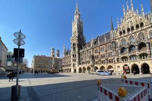 Kaum vorstellbar, der Münchner Marienplatz ohne Gedränge<br />