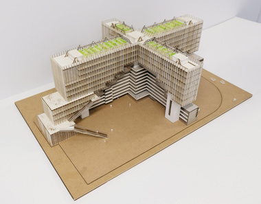 "Mengyue Feng und Guisong Zhang (2. Preis), TU Braunschweig, Projekt ""Stadtkrone"", Modell"
