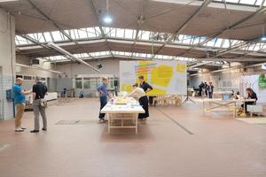 Eine Industriehalle wurde für das<br />städtebauliche Werkstattverfahren<br />saniert<br />