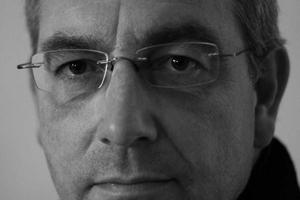 Autor: Dipl.- Ing. (TU) Hanns-Christoph Zebe betreibt ein Ingenieurbüro in Kaiserslautern. Er berät Unternehmen aus der Baustoffindustrie im Bereich Nachhaltigkeit/Ökologie und unterstützt sie bei der Kommunikation. Informationen unter: www.braas.com