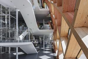 Das Gitterschalentragwerk des Swatch-Neubaus besteht aus drei tragenden Lagen und einer auffüllenden Lage