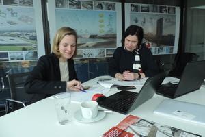 Zu Besuch im Büro<br />Bollinger+Grohmann. Agnes Weilandt im Gespräch mit Katja Reich und Mariella Schlüter (hinter der Kamera)