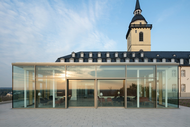 Der gläserne Pavillon auf dem Dach: wichtig war, dass Alt und Neu harmonieren