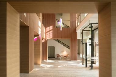Einst Benediktiner-Kloster heute ein modernes Tagungszentrum mit 121 Hotelzimmern, Restaurant und Konferenzsälen