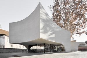 Als Skulptur steht das neue Touristenzentrum in&nbsp;Bressanone, Italien.<br />