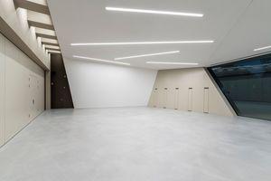 Foyer mit geschlossener Trennwand<br />