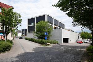 Ecke Spitalmauer/Kisau: die Tiefgarage bietet 64 Stellplätze, darüber ein große Freitreppe