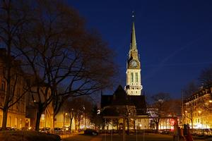 Gewinner Kategorie Außenbeleuchtung/Inszenierug Architektur: Kirche St. Jakob / Lichtplanung: Nachtaktiv . Architectural Lighting, Zürich