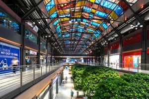 """Gewinner Sonderpreis Tageslicht: Integrale Tages- & Kunstlichtplanung für Shopping Center im Baudenkmal """"Hallen Am Borsigturm"""" / Lichtplanung: Lichtvision Design GmbH, Berlin"""