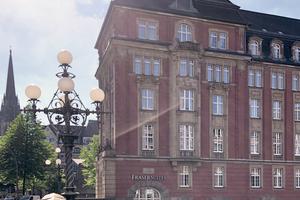 Jetzt ein Hotel: die ehemalige Oberfinanzdirektion in Hamburg. Grundriss und Designkonzepte mussten mit dem Denkmalschutz in Einklang gebracht werden