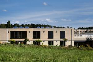 Das Büro- und Verwaltungsgebäude für den mobilen Pflegedienst wurde fast vollständig aus nachwachsenden Bau- und Dämmstoffen errichtet