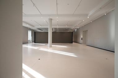 Tageslichtheller Ausstellungsraum im Nordriegelbau