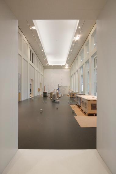 Blick in den Schweizer Saal, der seinen Namen von den Schweizer Gardisten hat, die hier untergebracht waren und die anliegenden Räume vor ungebetenen Gästen zu schützen hatten