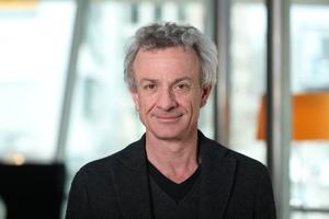 """Autor: Andreas Hofer studierte Architektur an der ETH Zürich. Er ist seit Anfang 2018 Intendant der Internationalen Bauausstellung 2027 StadtRegion Stuttgart (IBA'27). In Zürich hat er sich schreibend, planend und als Projektentwickler für Nachhaltigkeit und zukunftsfähige Wohn- und Lebensmodelle eingesetzt.<br /><span class=""""info_link"""">www.iba27.de</span>"""