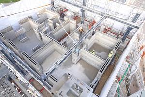 Das Mehrfamilienhaus mit rund 330 m² Wohnfläche wird nach Fertigstellung das größte gedruckte Wohnhaus Europas sein. Insgesamt sind für das Projekt sechs Wochen Druckzeit veranschlagt