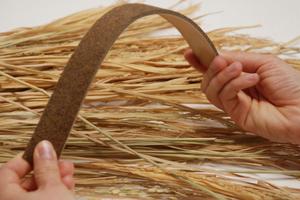 Bioflexi ist eine flexible, hochdichte Faserplatte aus Reststoffen der Getreideernte