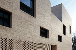Max Dudler, Berlin, ist immer mit dabei: dieses Mal Silber in der Kategorie Öffentliche Bauten für die Stadtbibliothek Heidenheim