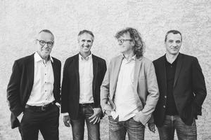 Hermann Kaufmann + Partner ZT GmbHv.l.n.r: Univ.-Prof. Arch. DI Hermann Kaufmann, DI Stefan Hiebeler, DI Christoph Dünser, Arch. DI Roland Wehinger, Andreas Ströhle M.Sc.www.hkarchitekten.at