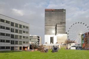 Links Parkhaus, rechts Riesenrad: Dort soll einmal das Konzerthaus stehen