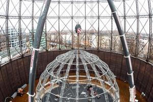 Abbau der temporären Zeltkonstruktion im Gasometer