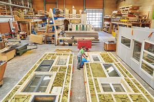 """Beim Umbau des Lysbüchel-Areals in Basel gelang es """"baubüro in situ"""", durch Vorfertigung gebrauchte Fenster- und Dämmelemente sowie Altholz wiederzuverwenden"""