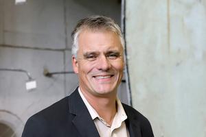 Professor Jochen Zehfuß, Leiter des Fachgebiets Brandschutz im Institut für Baustoffe, Massivbau und Brandschutz (iBMB)