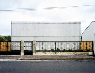 Latapie House, Floirac: geschlossene Straßenansicht