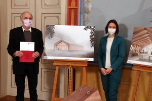 Staatsministerin Anne Spiegel (r.) überreichte den Förderbescheid an Prof. Dr. Arnd Poetzsch-Heffter, Präsident der TU Kaiserslautern