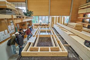 Das Bauholz für die Elemente stammt zu einem beachtlichen Teil aus Altholz, mehrheitlich aus Abbruchobjekten im Raum Basel