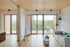 Flexible Grundrisse: Innerhalb der tragenden Wände in vorgefertigter Holzrahmenbauweise konnten die BewohnerInnen ihre Einheiten mit Trockenbauwänden frei gestalten
