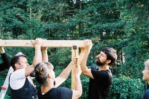 """<div class=""""_Fachbeitrag_Bildunterschrift"""">""""Weil wir Lärchenholz verwenden, kann diese Struktur 20 Jahre draußen überdauern"""" – Ronald</div>"""