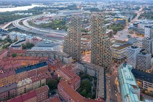 """Die """"Norra Tornen"""" konnten unabhängig von den kalten skandinavischen Wintermonaten in relativ kurzer Zeit fertiggestellt werden (siehe Baudaten, S.41)"""