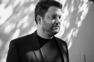 Georg Thiersch ist Executive Partner im Büro 1zu33 Architectural Brand Identity. www.1zu33.com